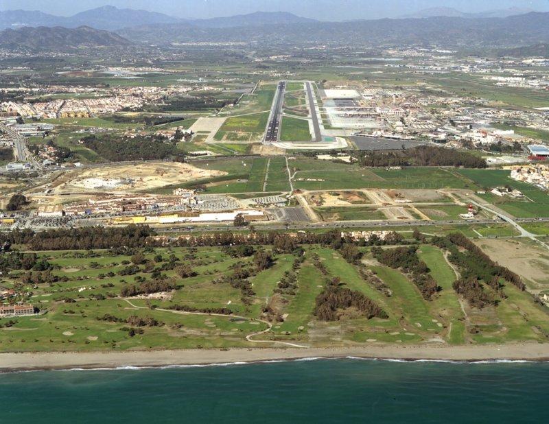 Campo de golf y aeropuerto